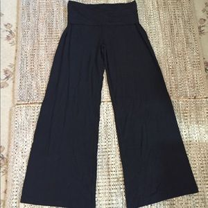 NWT Gap Palazzo Knit Pants in Black